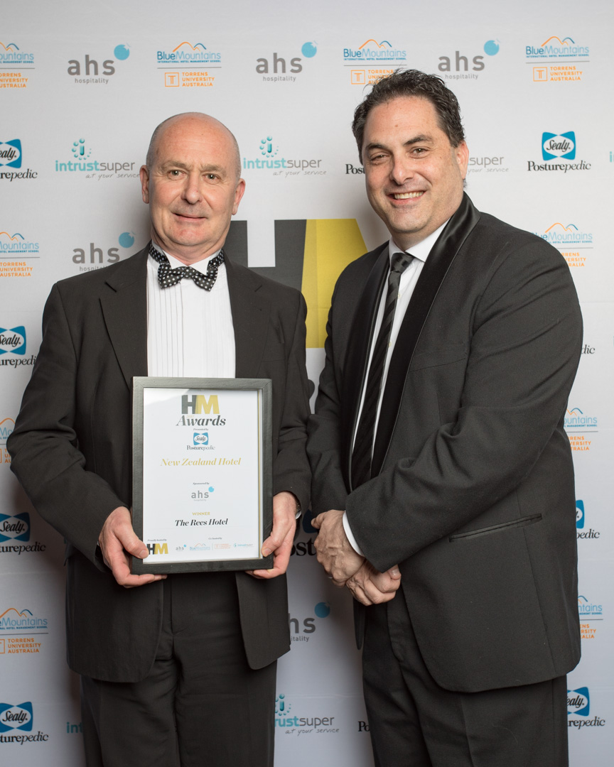 Jeremy Healy of the Rees Hotel, Queensland joint winners of the New Zealand Hotel award presented by Steven Tochner of sponsors AHS Hospitality