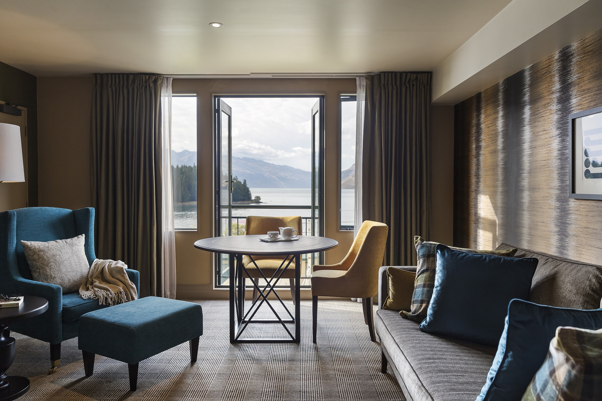 Suite with a view – Hotel St Moritz