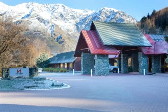 Swiss-Belresort Coronet Peak exterior hotel.