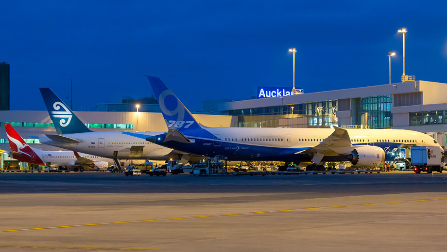 Aircraft at Auckland Airport