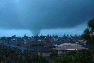 Tornado hits Ohope