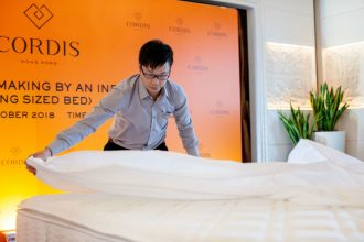 Cordis world record bedmaking in action