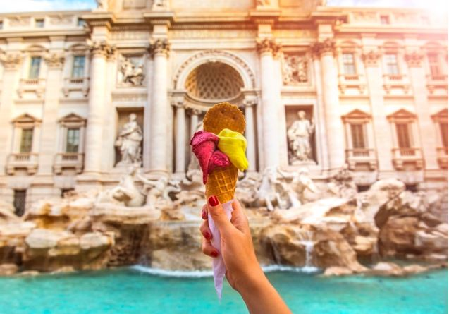 Ice cream in front of Pantheon.