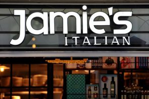 JAMIE'S ITALIAN EMPIRE IN TROUBLE