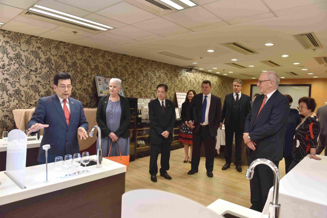 Meeting at Hong Kong between Service HQ and the Vocational Training Council of Hong Kong