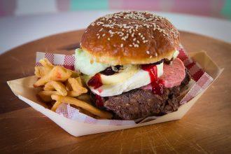 Carello del Gelato's 'Sweet As' Kiwi Burger