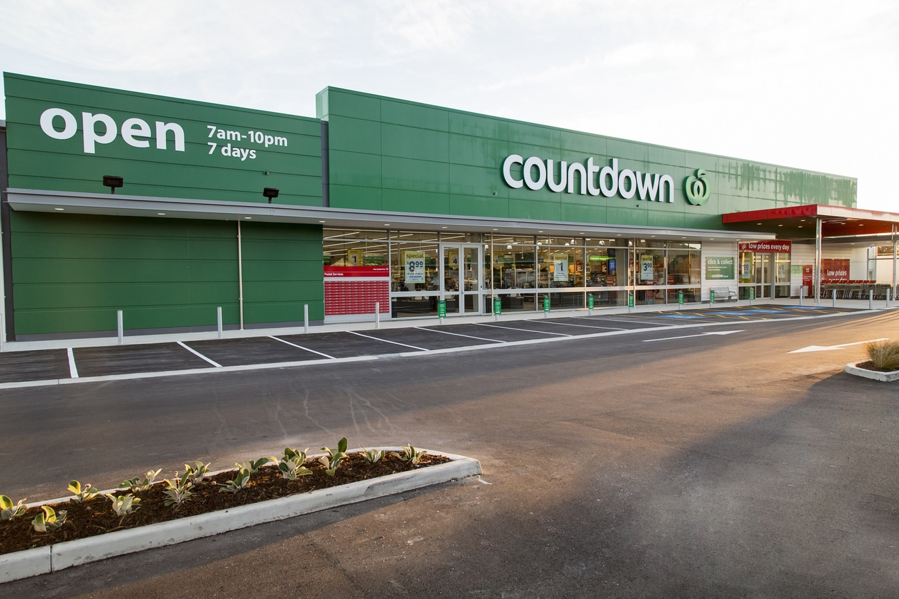 Bigger store now open in redwoodtown supermarket news for What grocery stores are open today