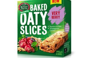 MOTHER EARTH VERY BERRY BAKED OATY SLICE
