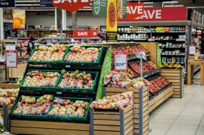 POSITIVE OUTLOOK FOR AUSTRALIAN RETAILERS
