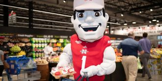 Rouses Market mascot the Colonel