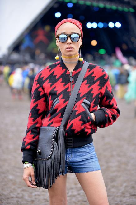 063014_Glastonbury_Music_Festival_Street_Style_slide_006