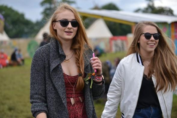 063014_Glastonbury_Music_Festival_Street_Style_slide_015