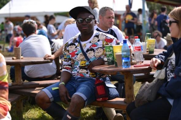 063014_Glastonbury_Music_Festival_Street_Style_slide_021