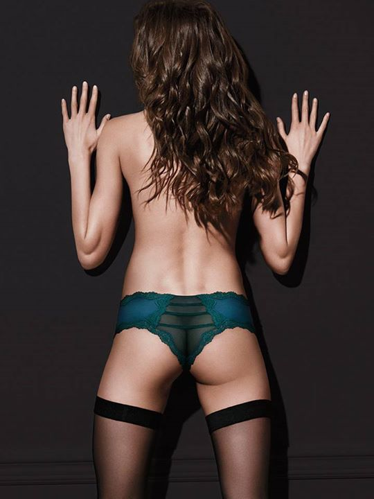 Victorias Secret is under fire again for another botched photoshop job on it's latest facebook post. The poor editing job is obvious ¬– part of the model's left buttocks is missing, and there seems to be a weird gap between the cheeks. A portion of her right arm also seems to be removed.