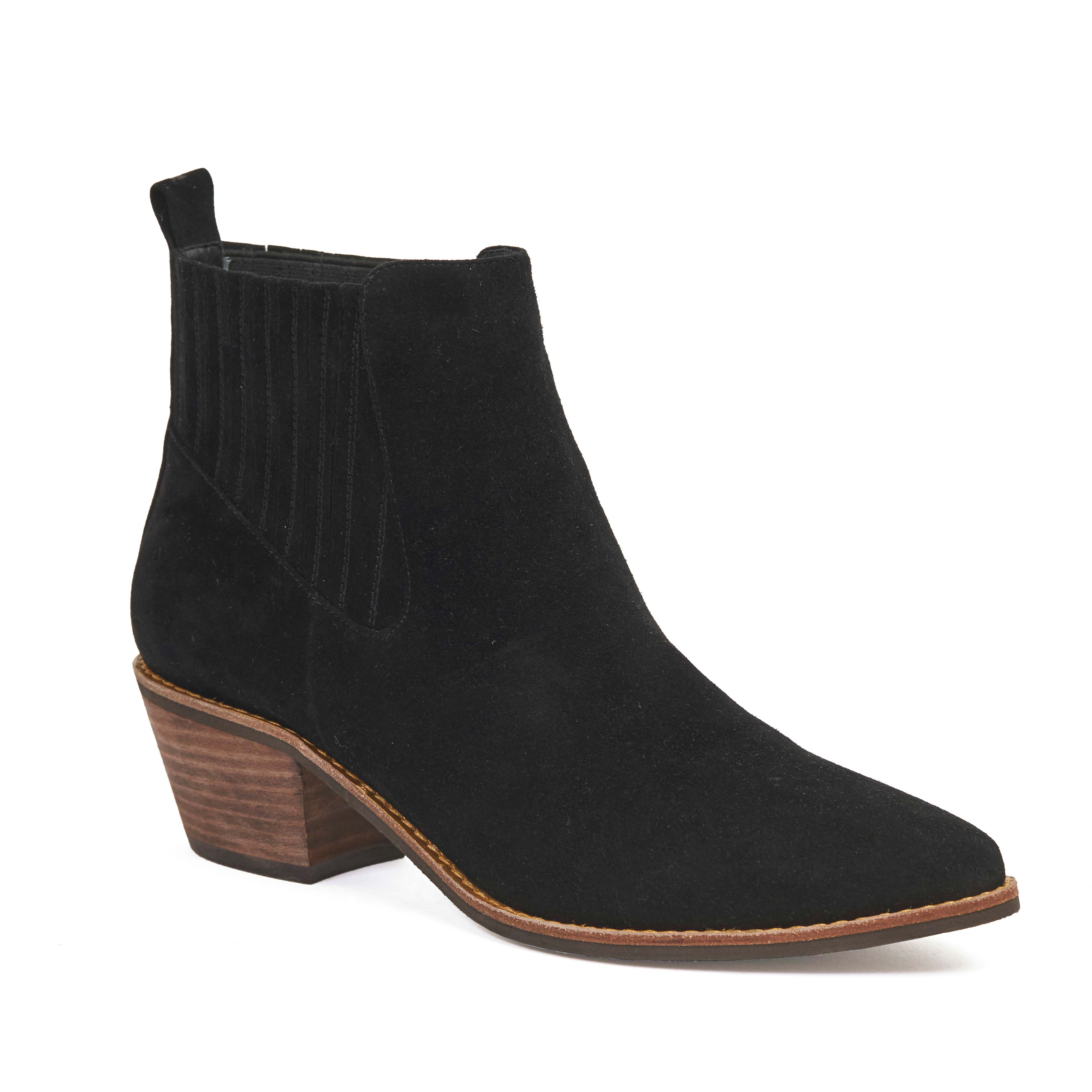 405 Adrene Boot Black Suede