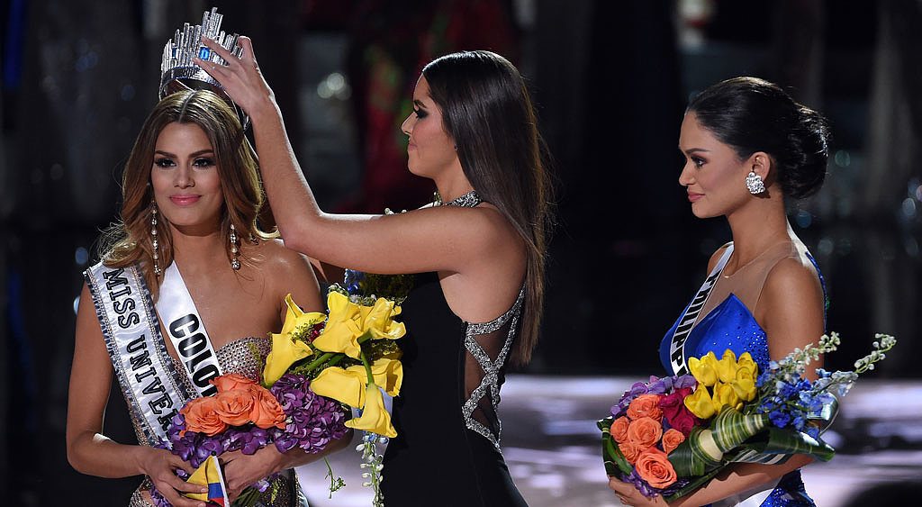 Disaster struck at the 2015 Miss Universe pagent as Miss Columbia was incorrectly named Miss Universe 2015 by host Steve Harvey and subsequently had to hand over her crown on live television to the actual winner Miss Philippines.