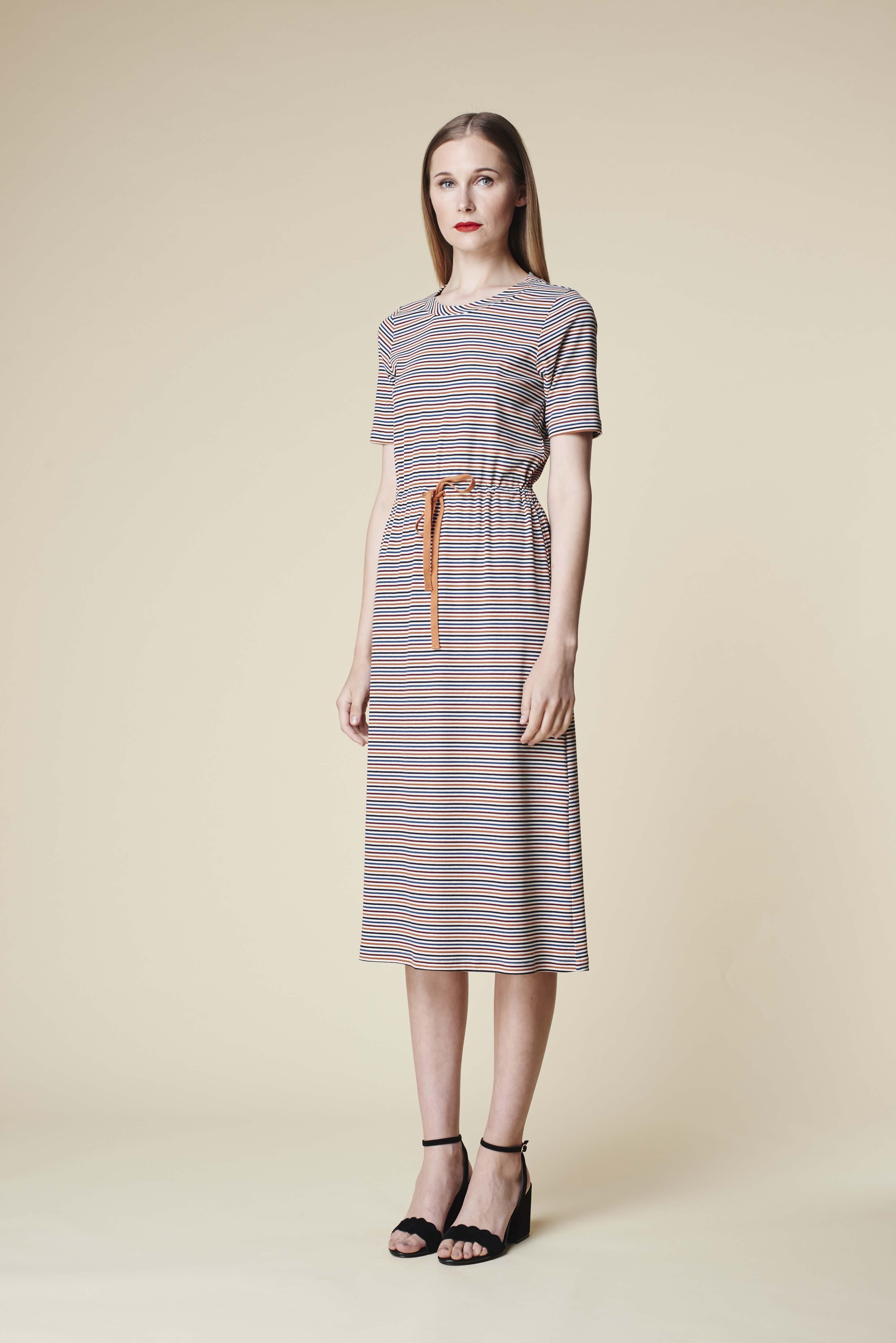 RUBY Mala T-Shirt Dress & Lila Heel