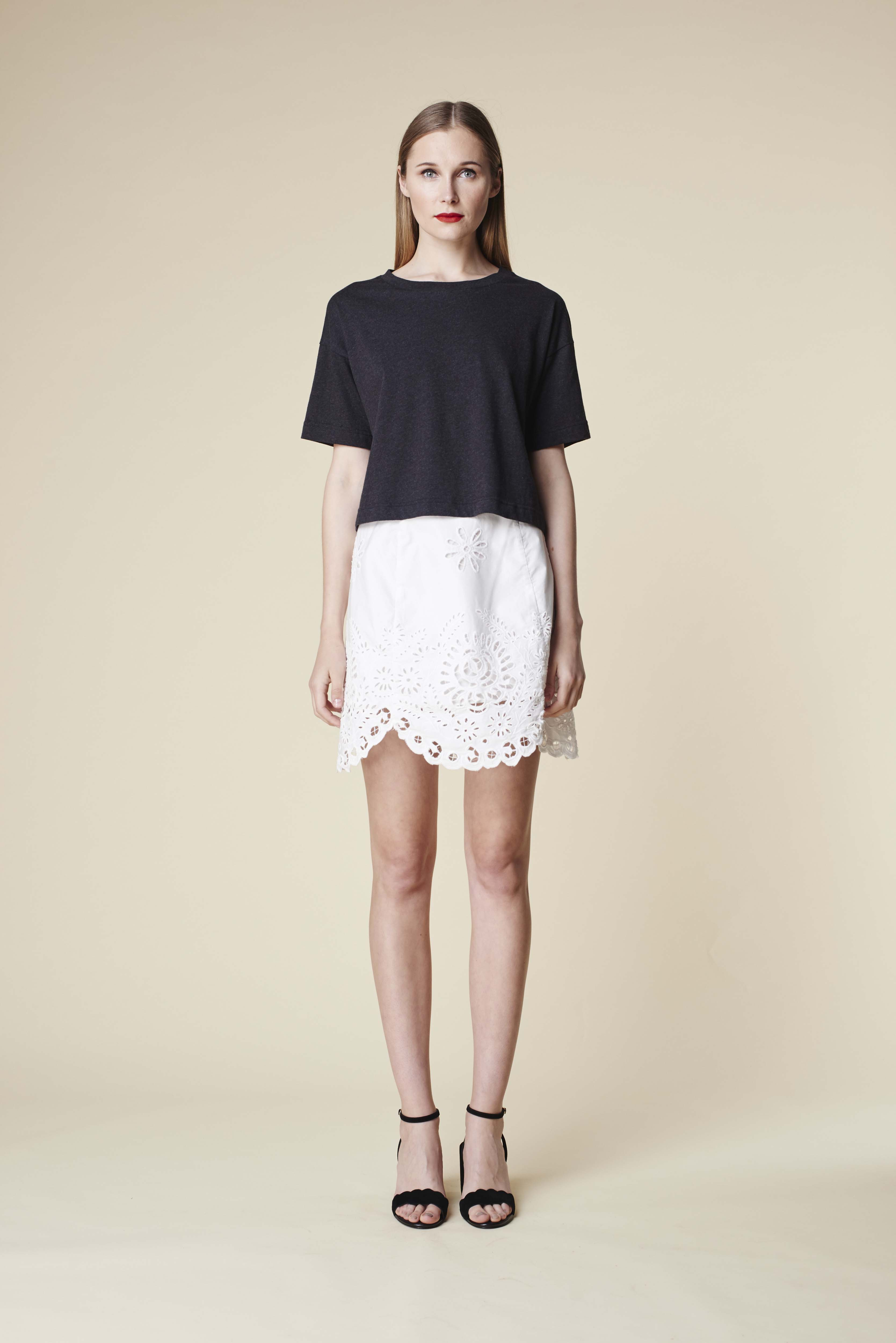 RUBY Zora T-Shirt, Aloe Skirt & Lila Heel