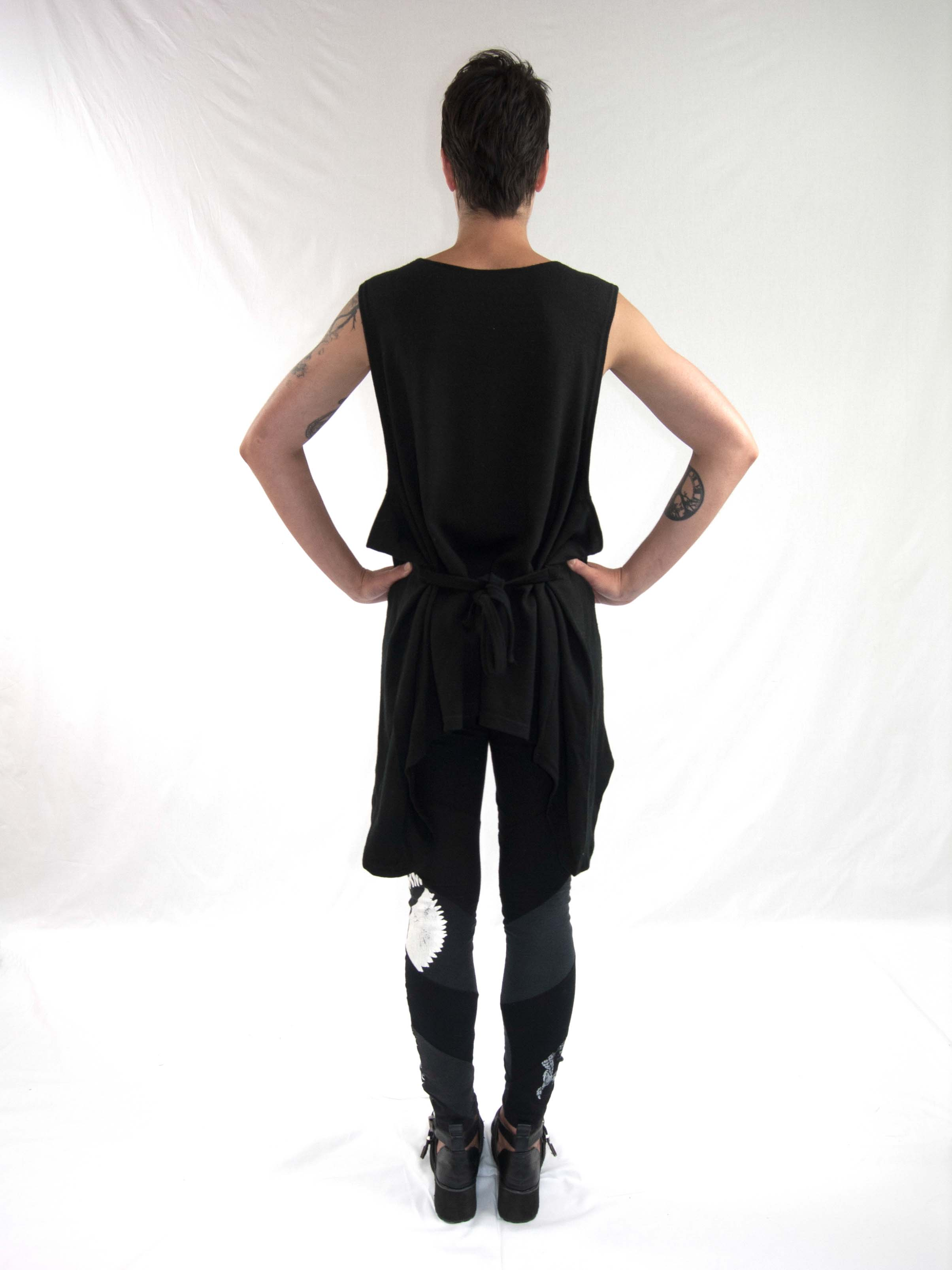 2oversized singlet, reconstructed leggings bk