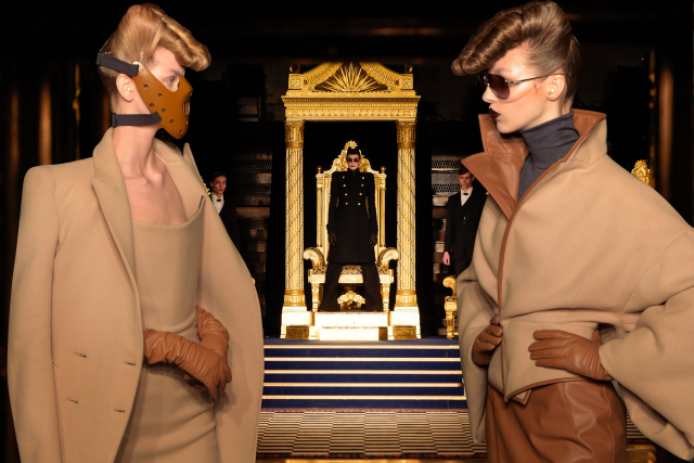 British designer Gareth Pugh held his autumn/winter 2016 show at the Freemasons' Hall in Covent Garden - which alone would be eerie enough, if it wasn't for the fact he sent models wearing Hannibal Lecter masks down the catwalk.
