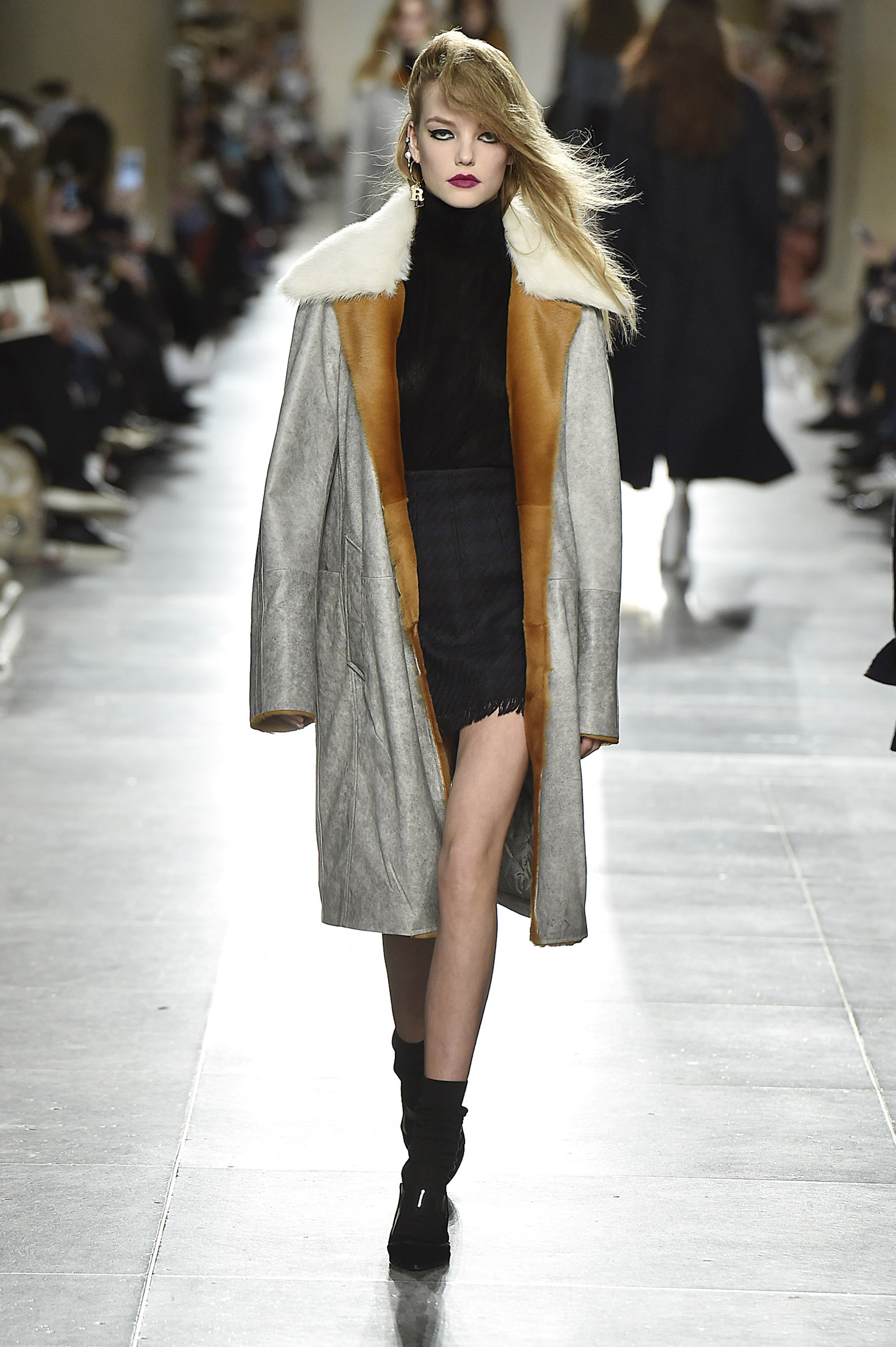 Unique Fall Winter 2016London Fashion Week Copyright Catwalking.com'One Time Only' PublicationEditorial Use Only