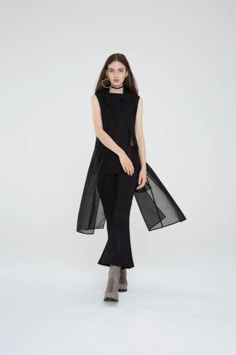 crosshatch-halter-black-principle-pant-deviate-vest-1-T_00433