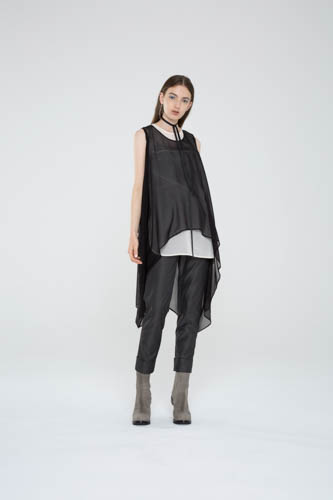 oblique-tunic-black-shell-top-cogent-pant-1-T_00265