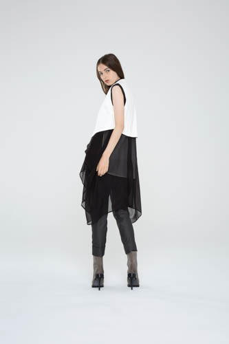 oblique-tunic-black-shell-top-cogent-pant-deviate-vest-4-T_00300