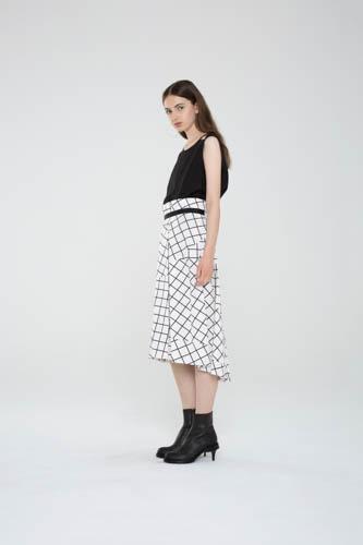 suspend-top-black-infold-skirt-2-T_01274
