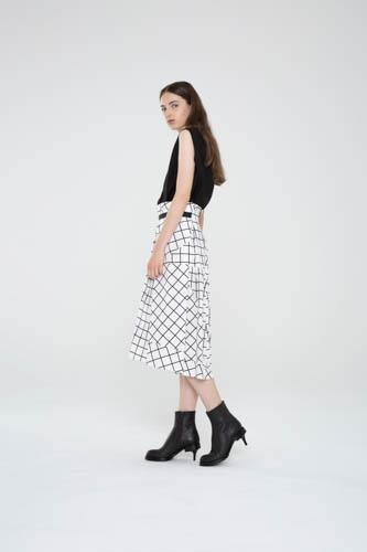 suspend-top-black-infold-skirt-3-T_01275