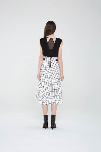 suspend-top-black-infold-skirt-4-T_01278