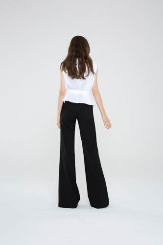 unequivocal-top-white-resolve-pant-4-T_00751