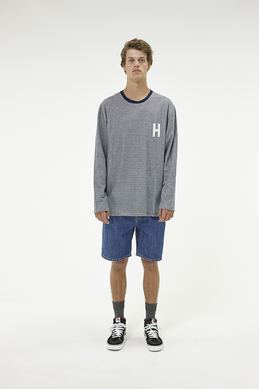 Huffer_Q3-16_M-Weekend-LS-Tee_Navy-01