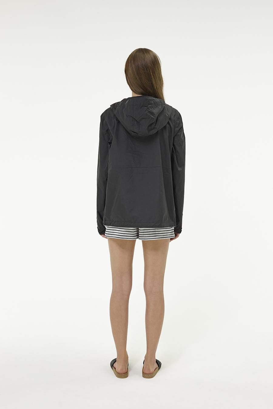 Huffer_Q3-16_W-Alpine-Jacket_Black-03