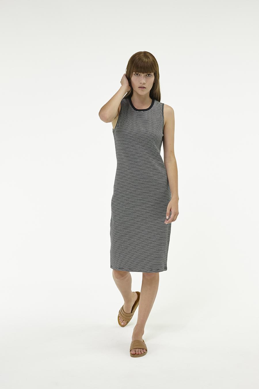 Huffer_Q3-16_W-Club-Stella-Dress_Black-04