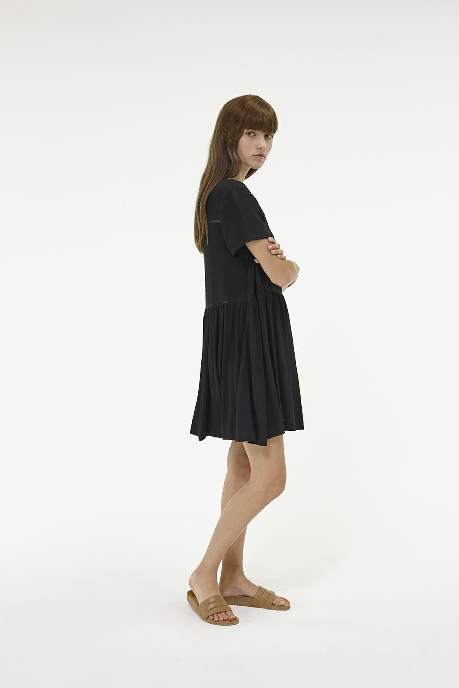 Huffer_Q3-16_W-Park-Dress_Black-04
