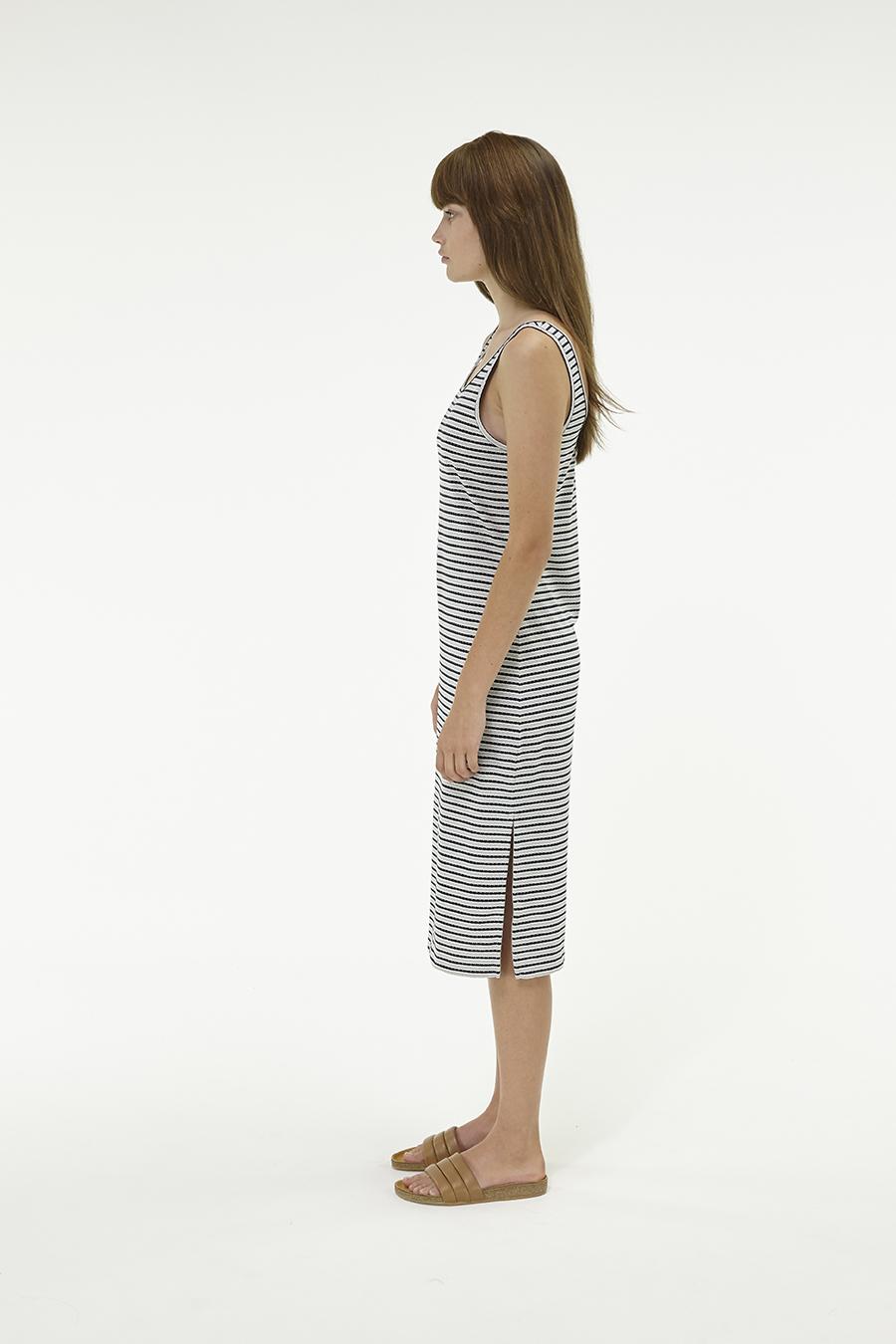 Huffer_Q3-16_W-Railway-Plaza-Dress_Black-Grey-02