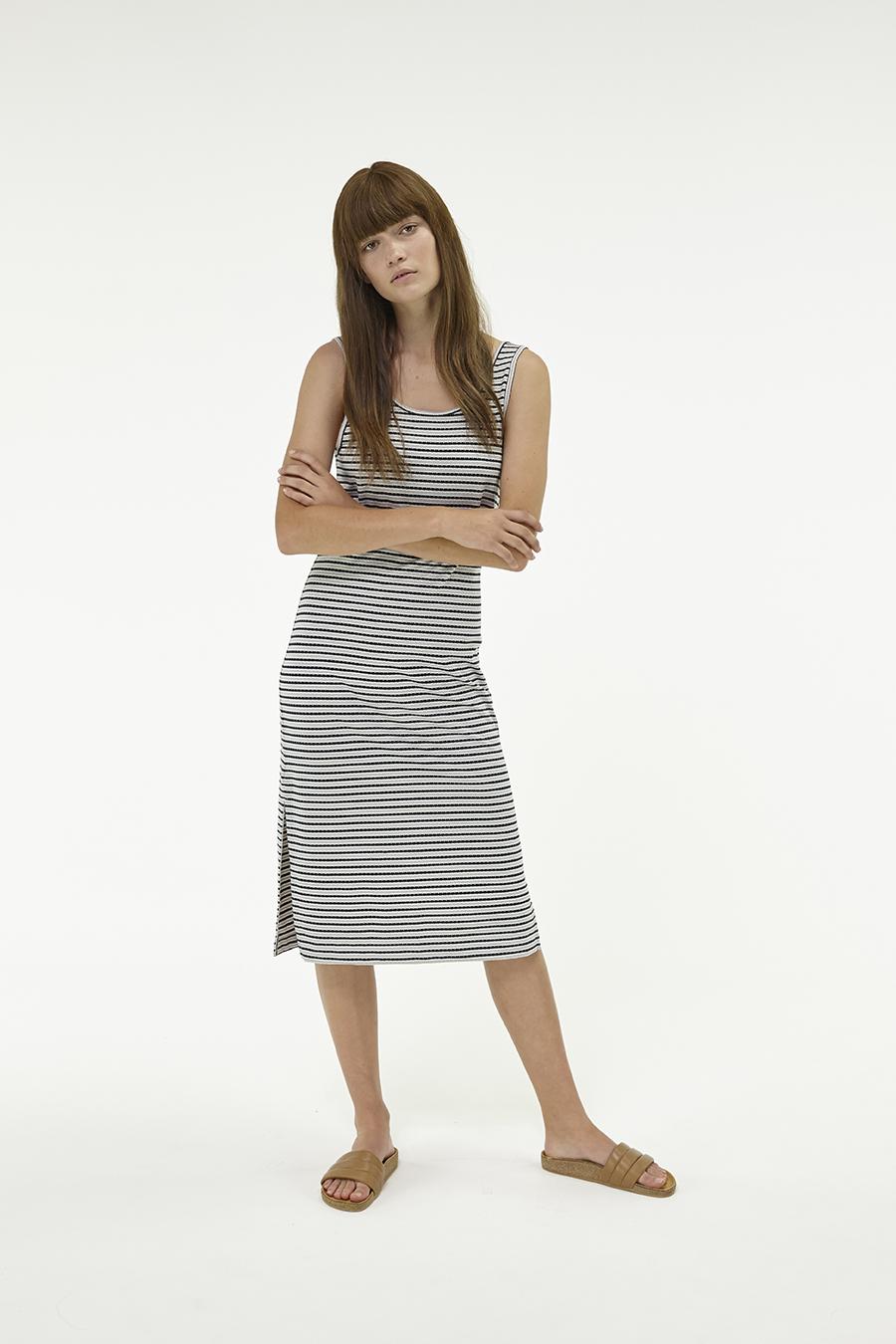 Huffer_Q3-16_W-Railway-Plaza-Dress_Black-Grey-04