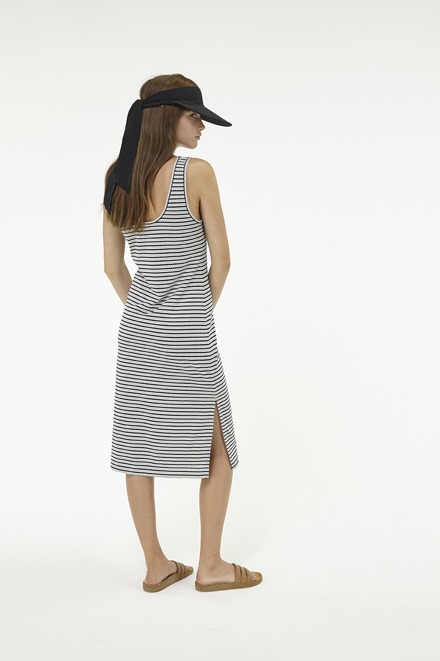 Huffer_Q3-16_W-Railway-Plaza-Dress_Black-Grey-05