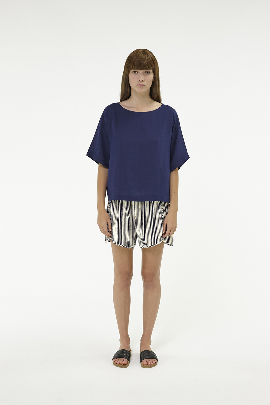 Huffer_Q3-16_W-Silk-Daria-Top_Navy-01