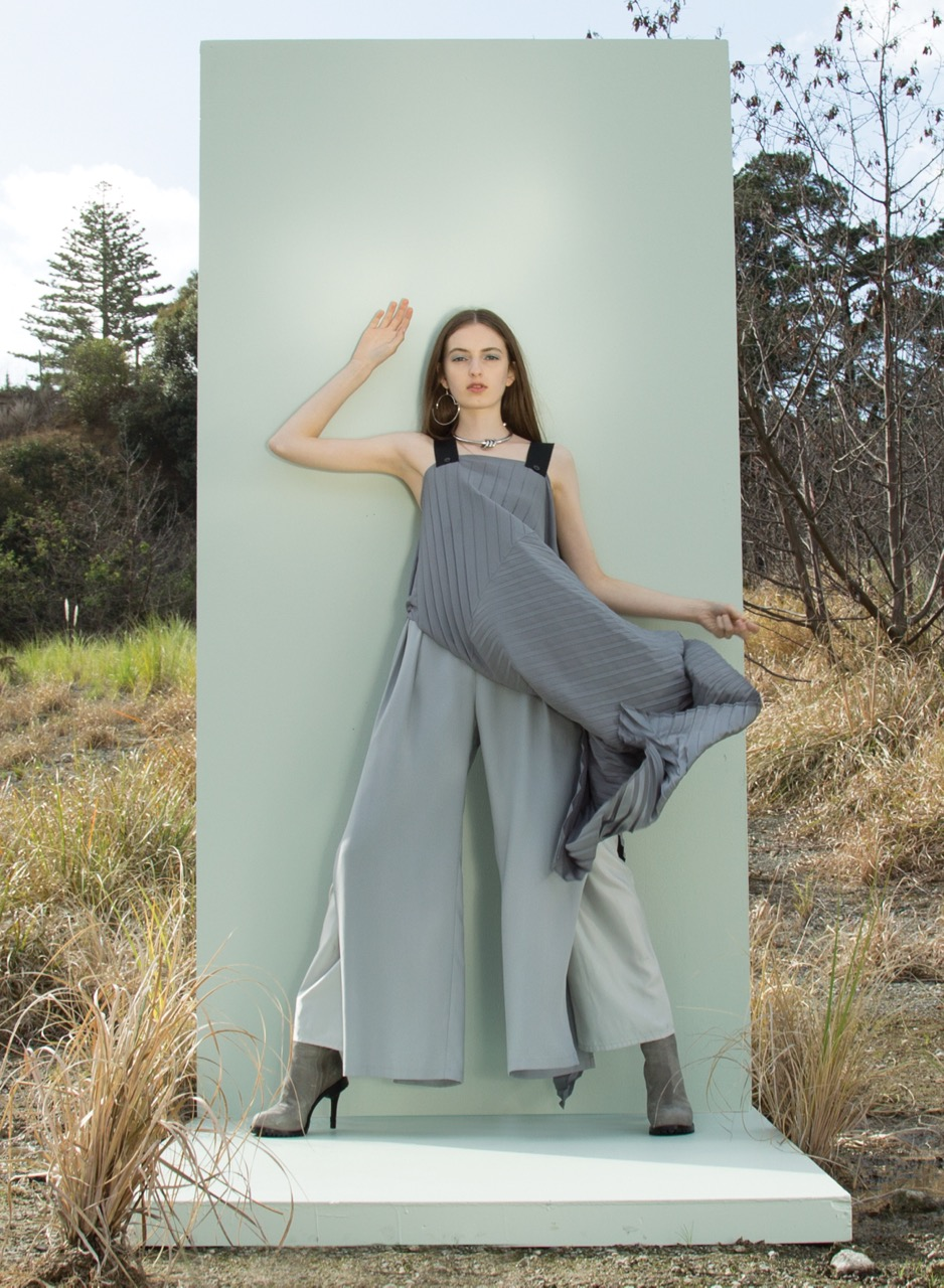 taylor-Diverge-Dress-Silver-Split-Discord-Pant-2