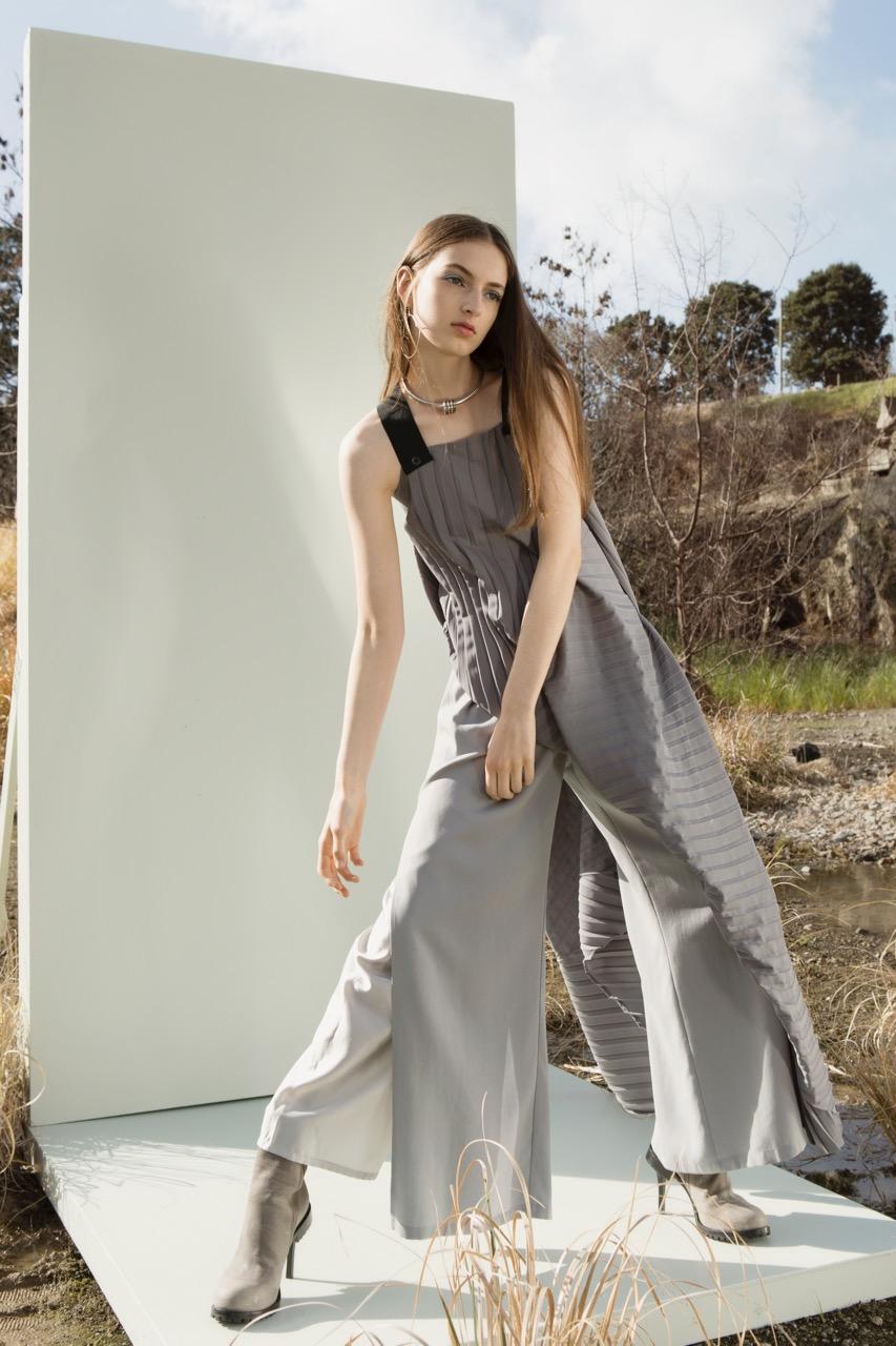 taylor-Diverge-Dress-Silver-Split-Discord-Pant-3