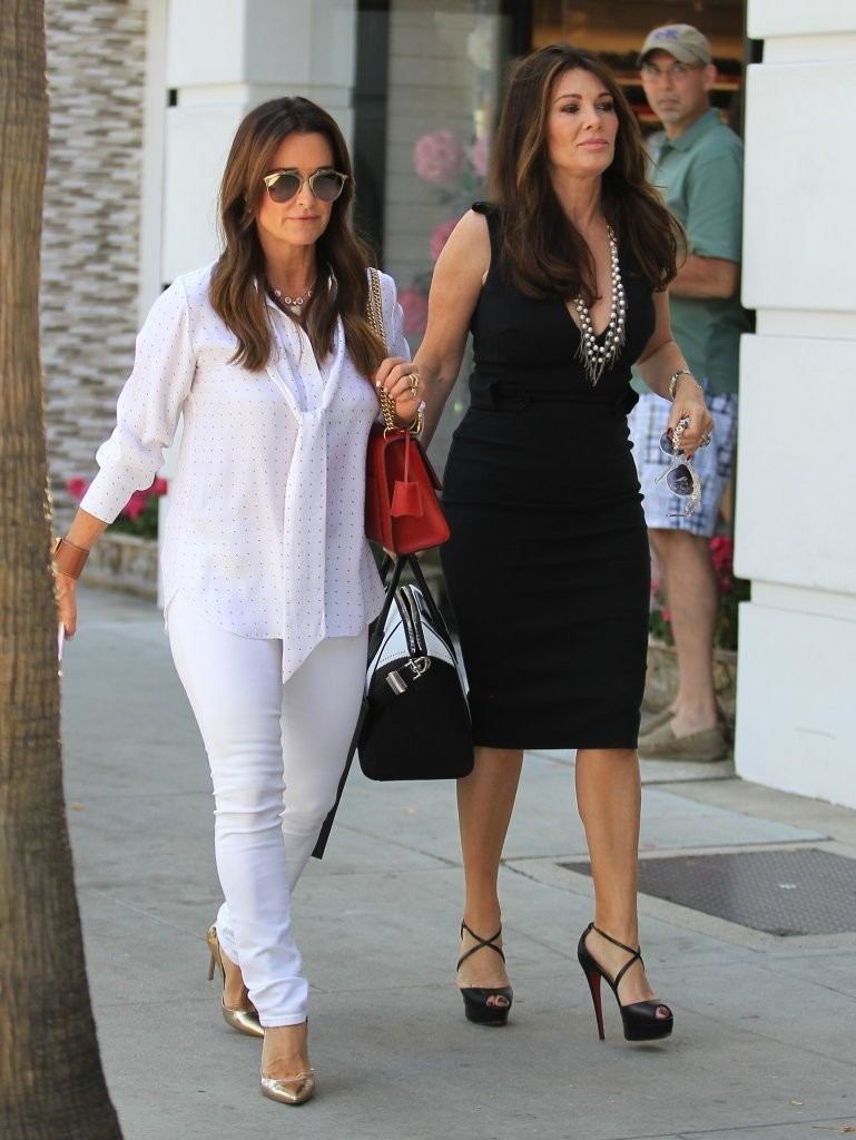 In an interview with Stuff.co.nz, The Real Housewives Beverly Hills star Kyle Richards said she and Lisa Vanderpump have talked about moving to New Zealand.