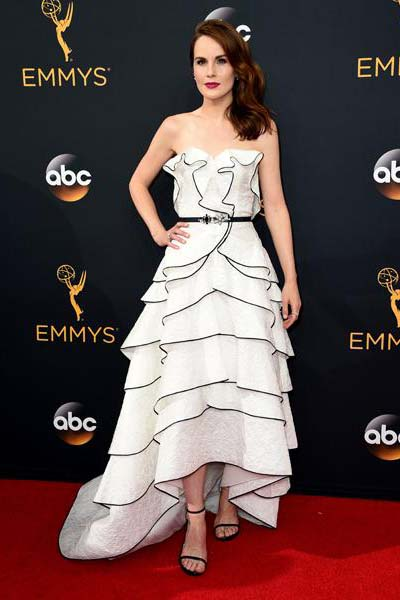 michelle-dockery-in-oscar-de-la-renta