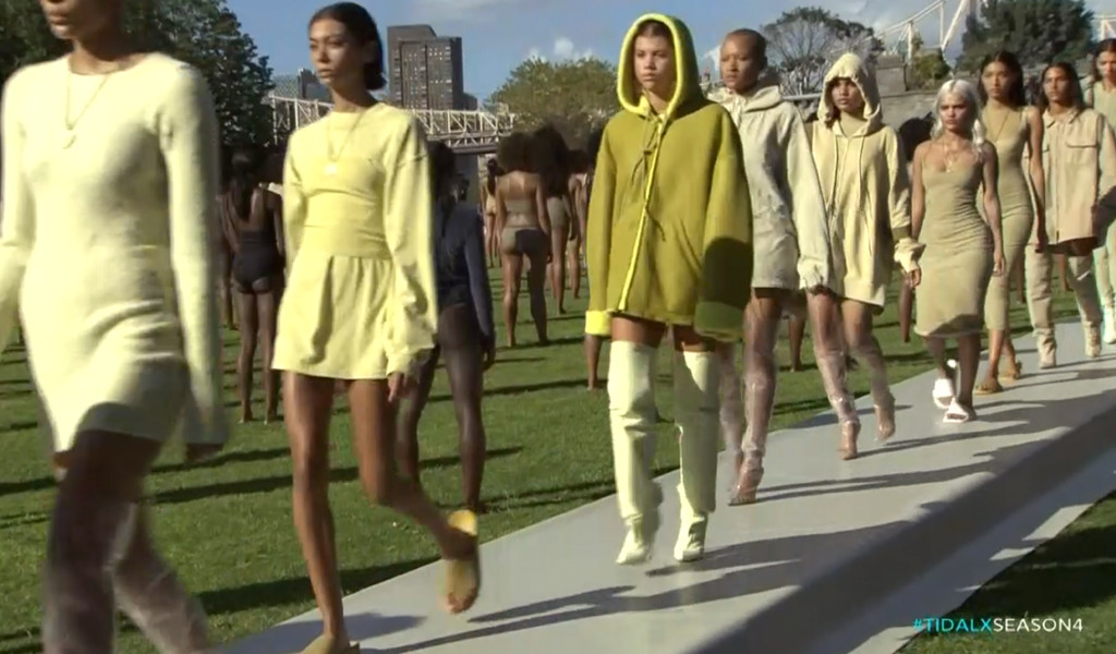 Just twenty minutes into Kanye West's Yeezy Season 4 presentation at least two models fainted and 30 models of the 100 sat down in the grass.