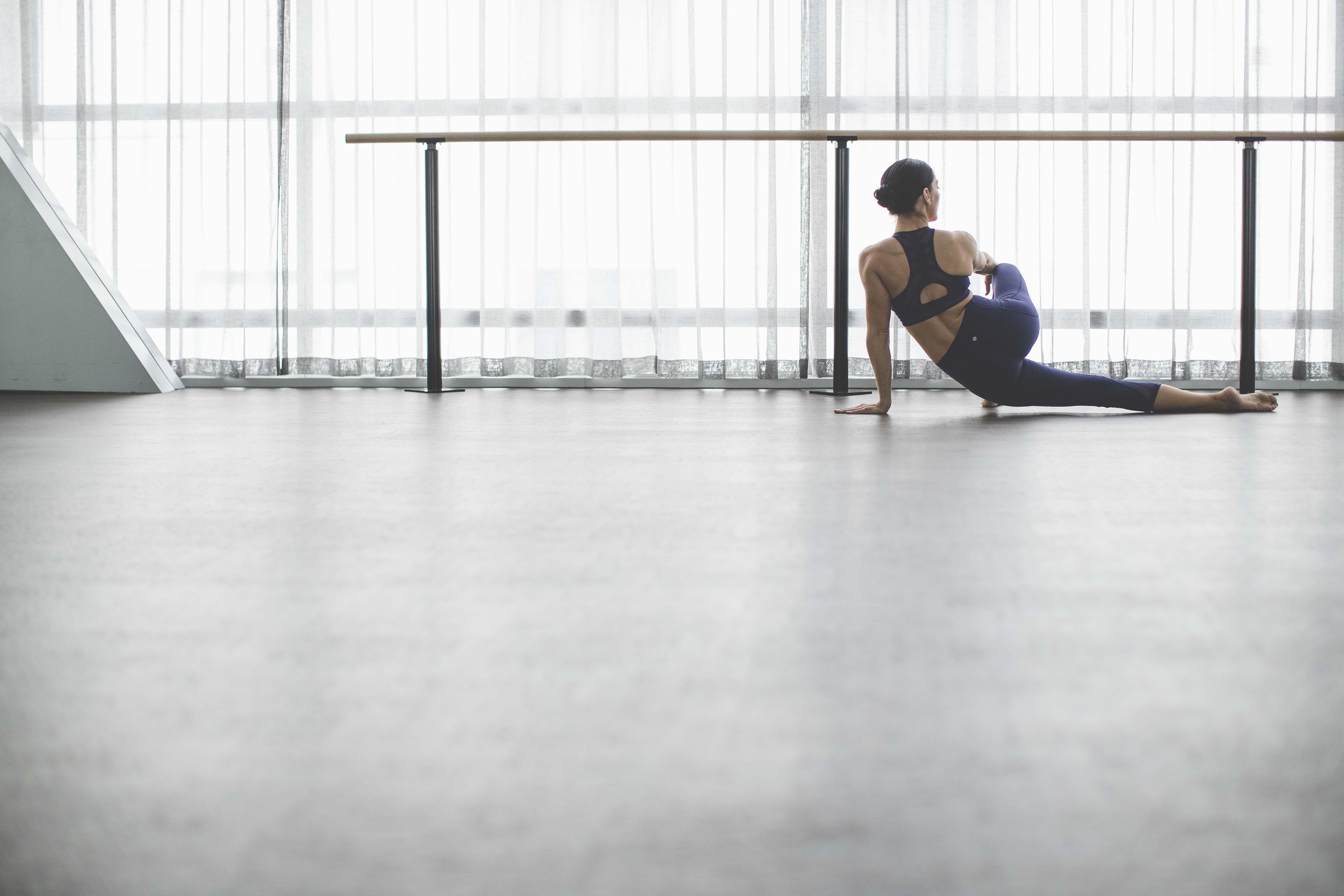 fullrez-2016_wk35_sec1_1401_lulu_aus_mk_womens_essential_rhythm_dance_barre_workout_4474