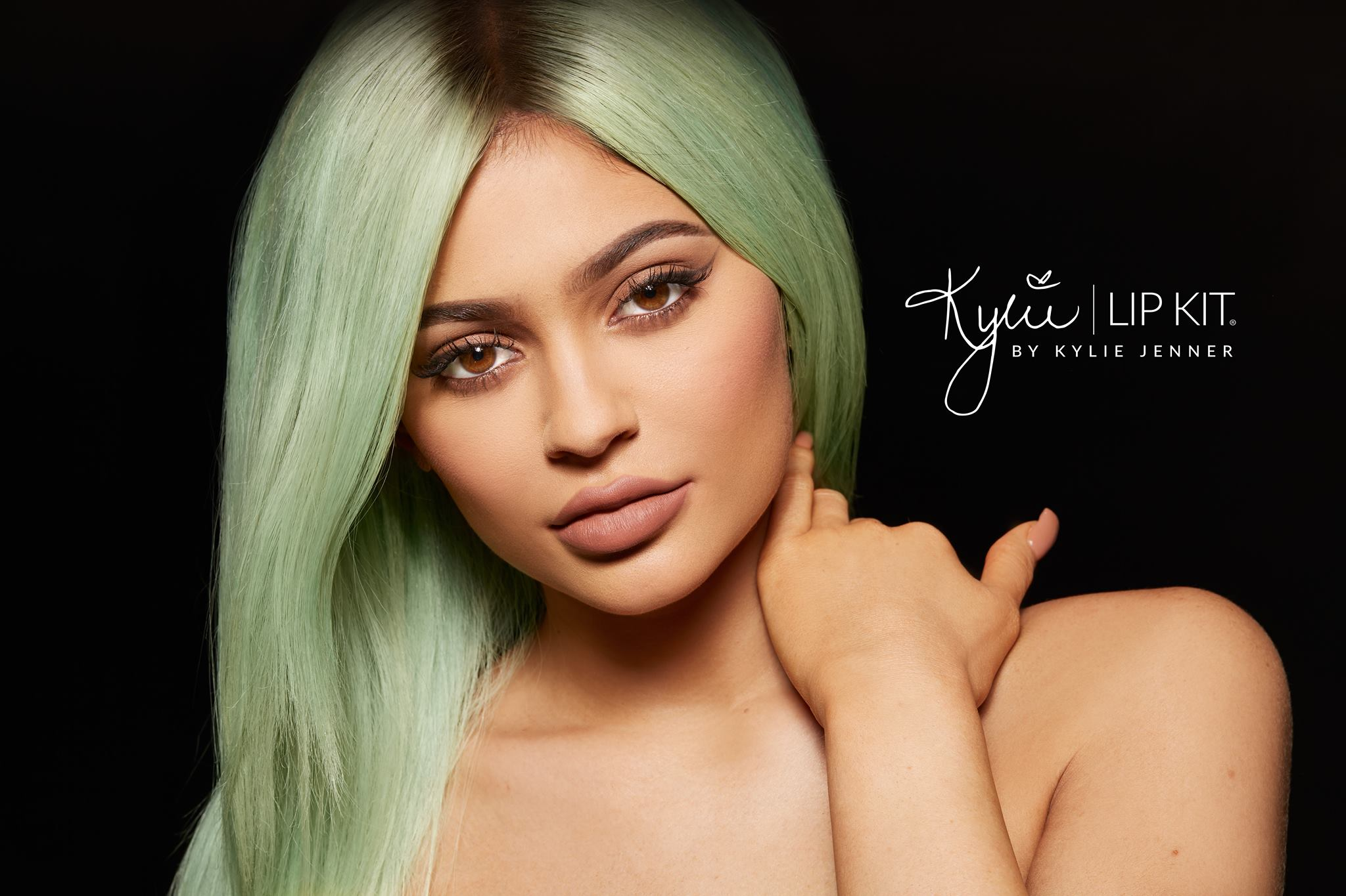 LIPS ARE SEALED // Kylie Jenner has warned against followers buying fake lip kits as they contain harmful products like glue and have been sticking people's lips together.