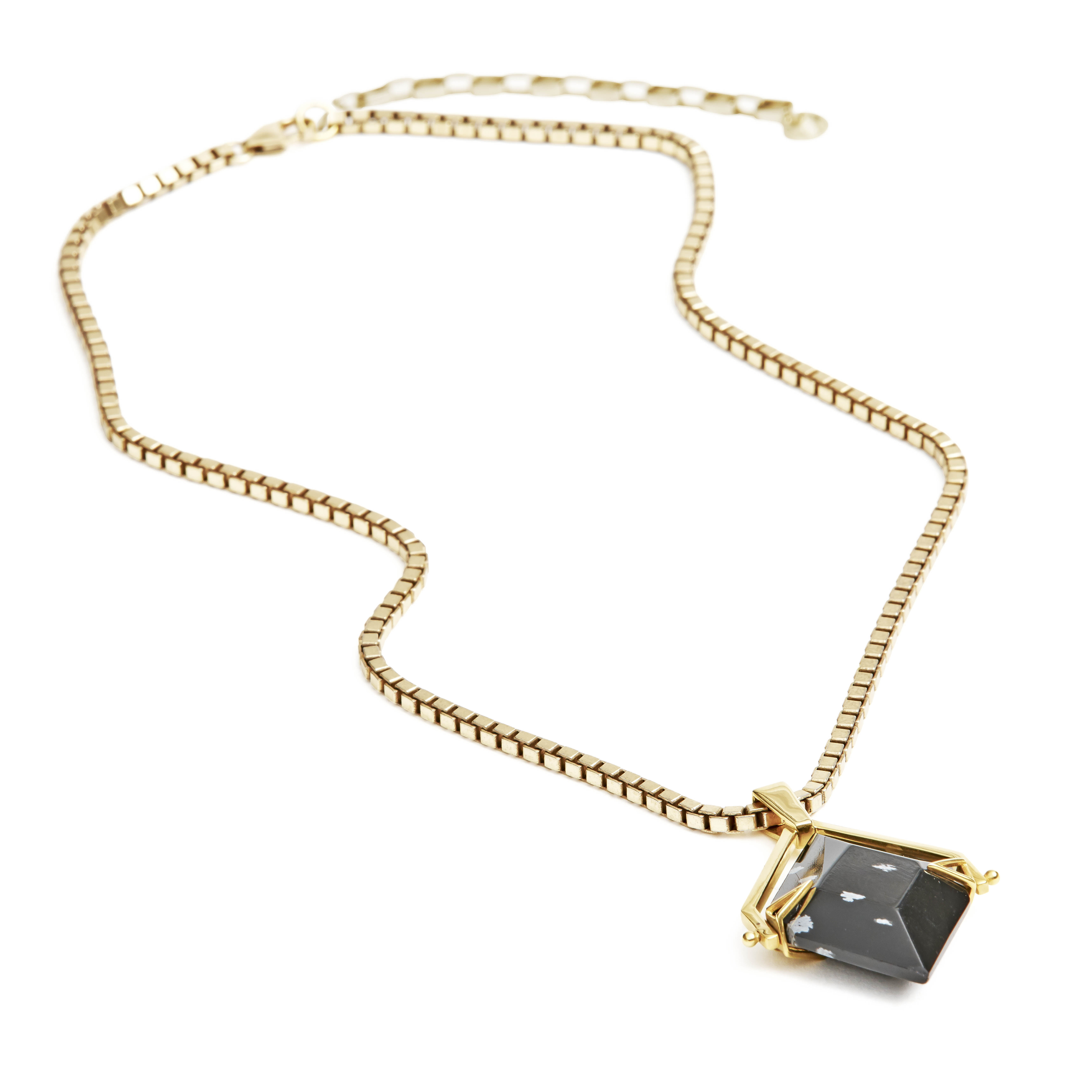 obsidian-gold-necklace-2