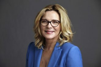 68668f90952 SPECS IN THE CITY. Specsavers has announced actress Kim Cattrall will visit New  Zealand in October to launch this year s Spectacle Wearer ...