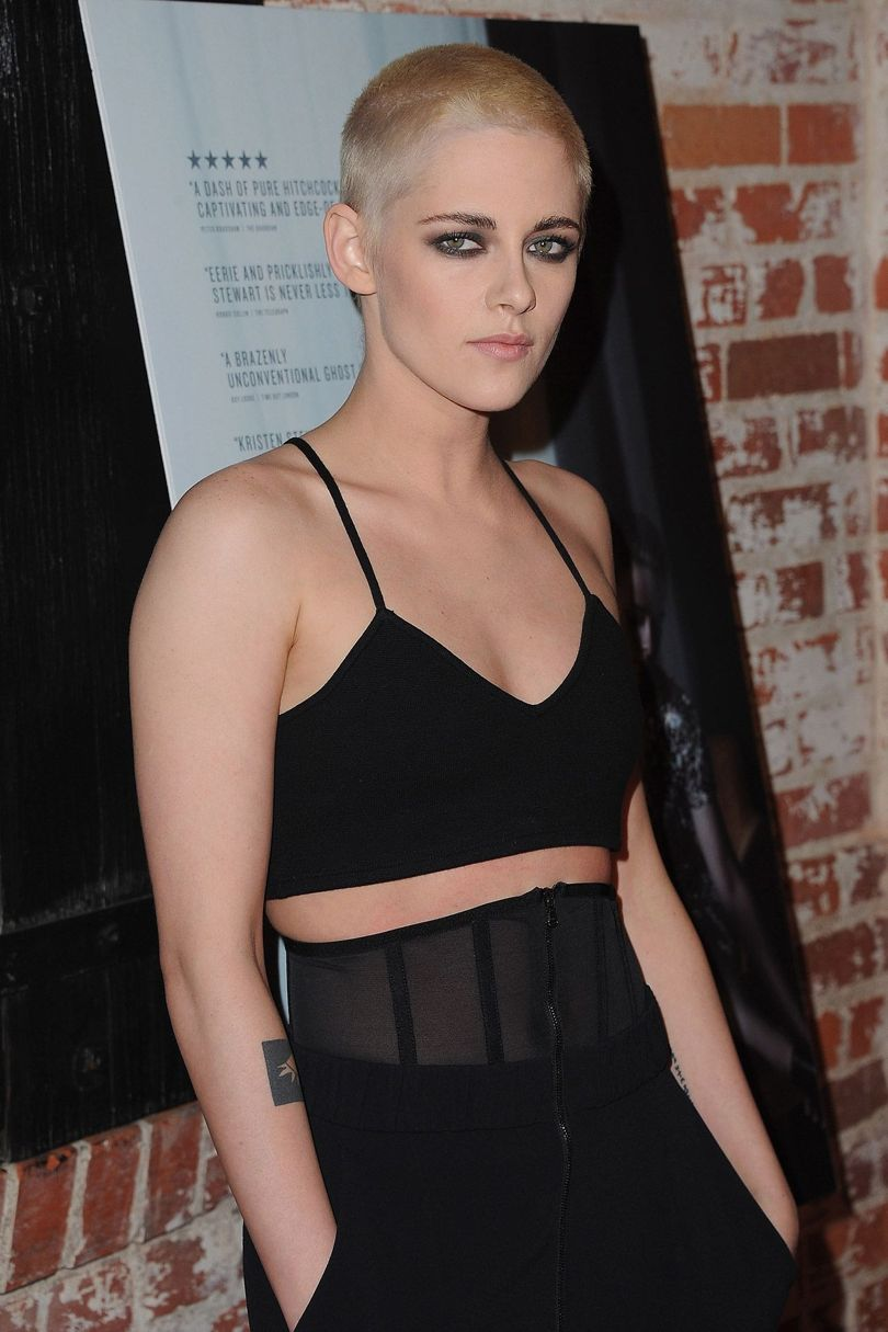 Never one to shy away from her own sense of style, Kirsten Stewart got a fierce new blonde buzzcut and is #killingit